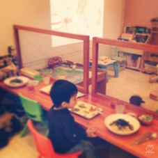 子どもを遊ばせながら、親はご飯を食べられるという親子カフェに連れてきてもらいました^^