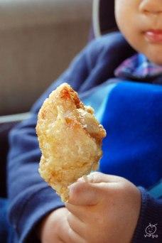 唐揚げやさんがいっぱい! ぶんごや→チキンハウス→森山と頂きました。 揚げたて美味しい♪